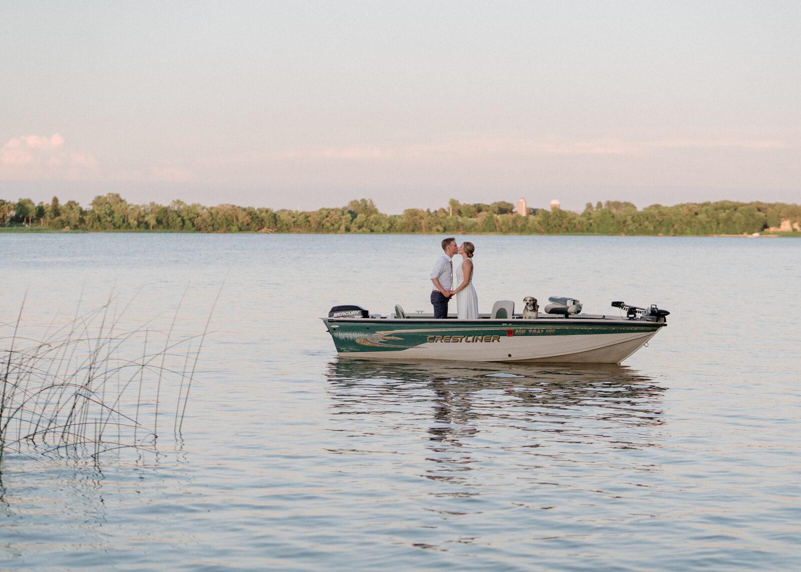 cabin wedding on a Minnesota lake