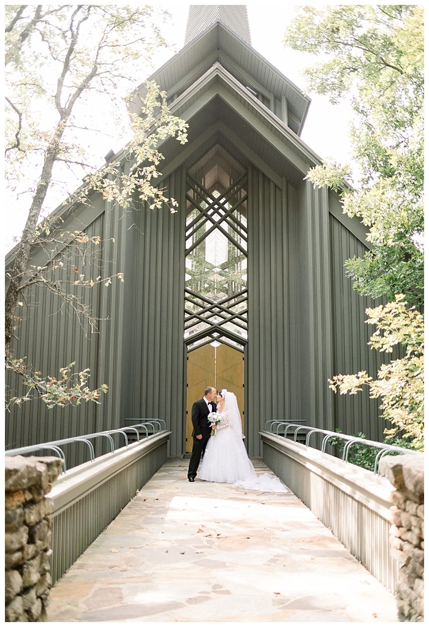 Thorncrown Chapel Elopement   Eureka Springs, AR ...