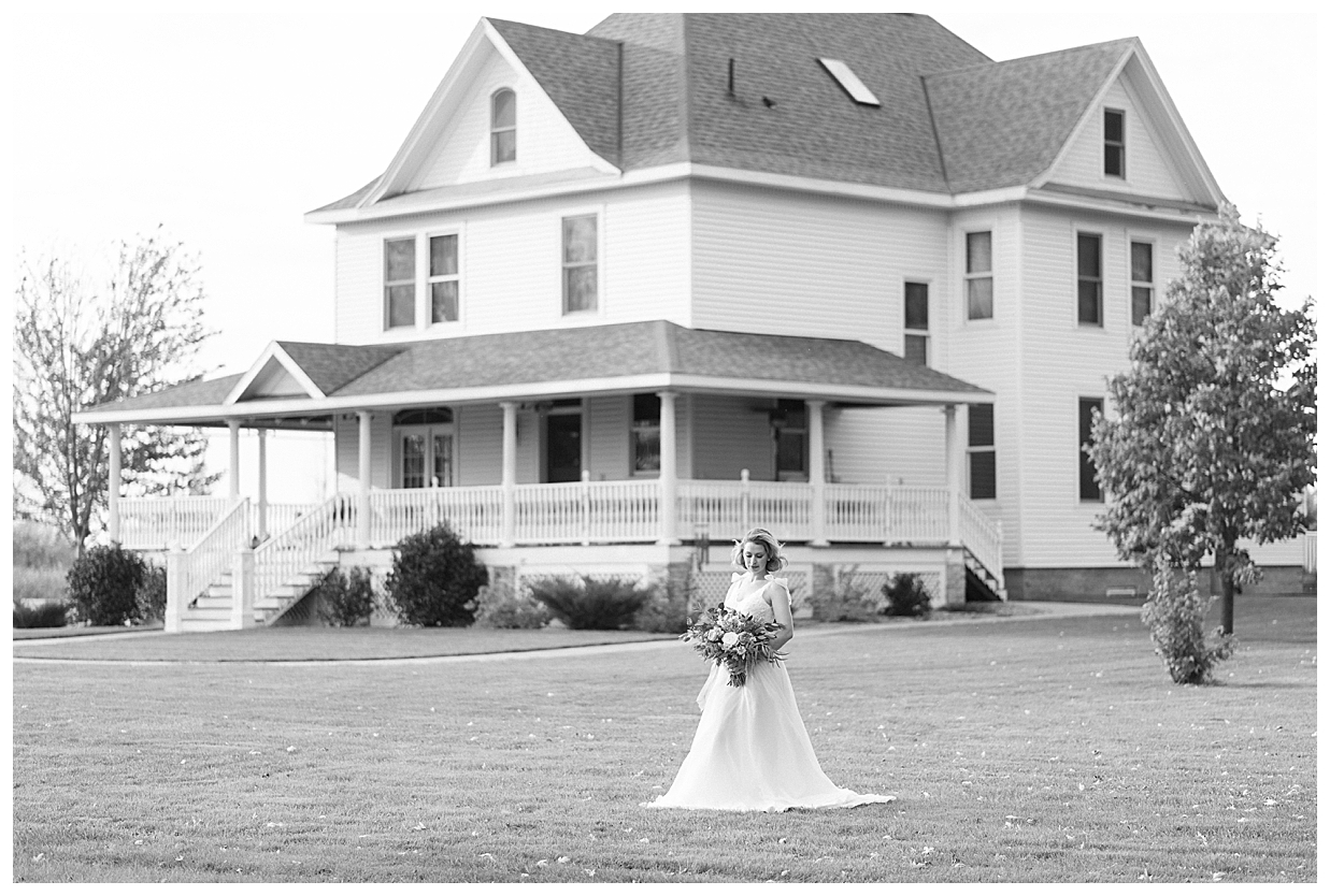 sable inn bed and breakfast, minnesota intimate wedding venue, Minnesota elopement, small destination wedding venue, lake wedding, minnesota wedding photographer, central mn brides, sable inn wedding,